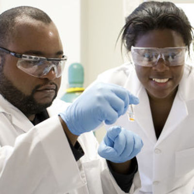 """students in research lab"""" /></Image>"""